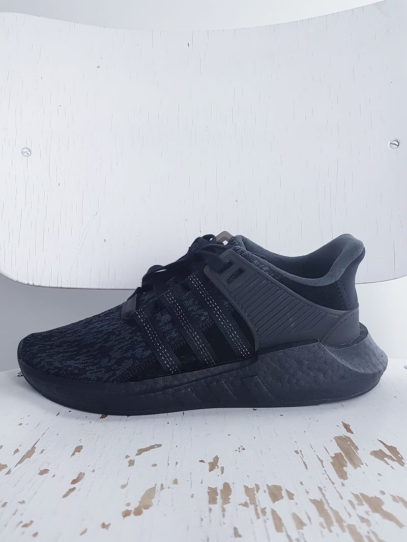 quality design 92d6c 7ae70 Beamhill - Beamhill Stores Helsinki   J rvenp  . Beamhill Stores Helsinki    J rvenp  . grey yeezy adidas shoes nike outlet ...