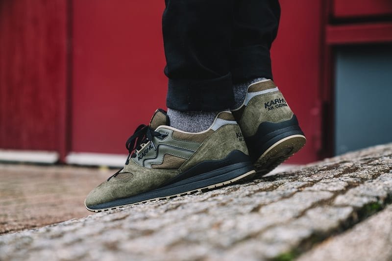 Synchron olive on feet